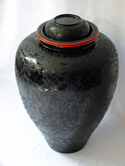 Large Burmese lacquer Vase